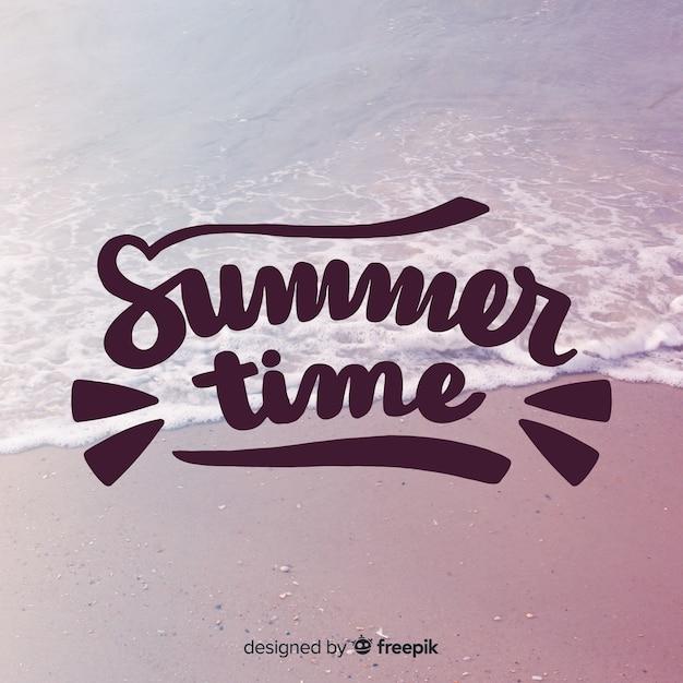 Sommerbeschriftungshintergrund mit bild Kostenlosen Vektoren