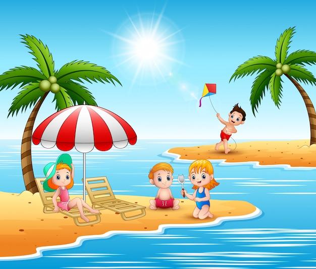 Sommerferienkinder im strand Premium Vektoren