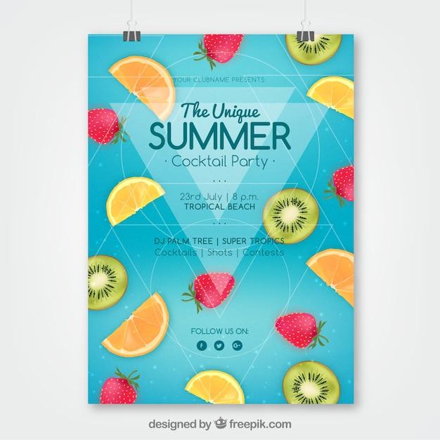 Sommerfesteinladung mit früchten in der realistischen art Kostenlosen Vektoren