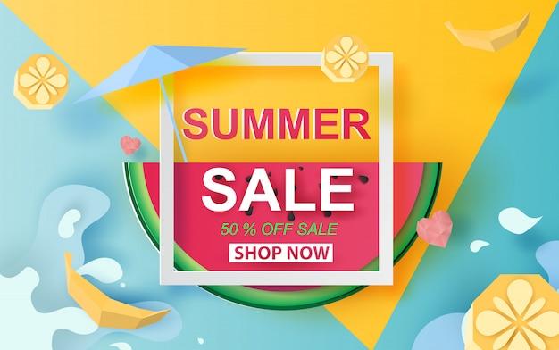 Sommerschlussverkauf banner mit wassermelone. Premium Vektoren