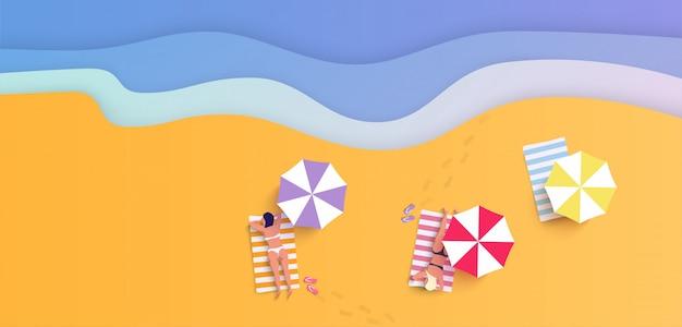 Sommerstrand mit frauen im bikini in der flachen art-illustration Premium Vektoren