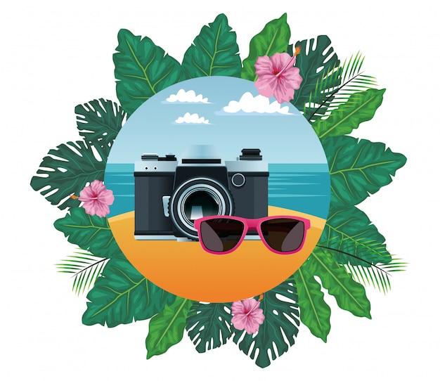 Sommerstrand und ferienkarikatur Kostenlosen Vektoren