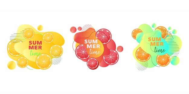 Sommerzeitnetzfahnen stellten mit fruchtzitrone, orange, pampelmuse, abstrakten flüssigen formen und text ein. Premium Vektoren