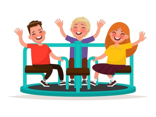 Spielplatz. lustige kinder wirbeln auf dem karussell. illustration Premium Vektoren