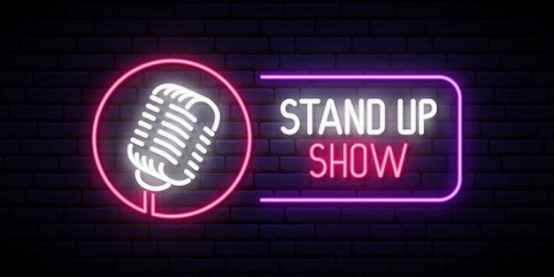 Stand up show emblem im neonstil. Premium Vektoren