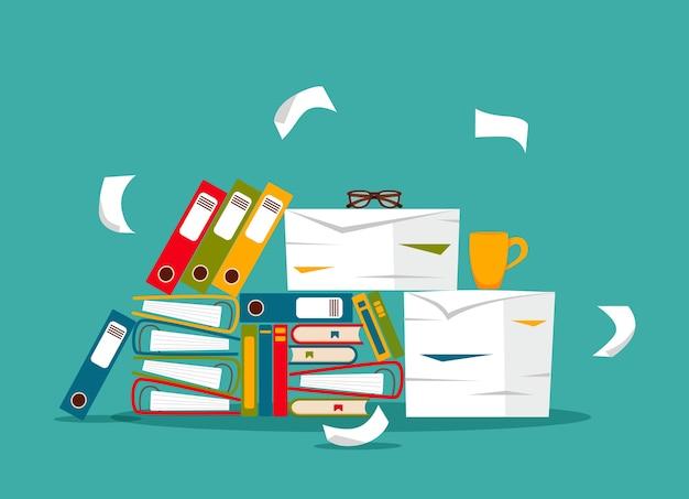 Stapel von büropapieren, dokumenten und aktenordnern konzept. unorganisierte unordentliche papiere stress, frist, bürokratie harte papierkram flache cartoon-illustration. Premium Vektoren