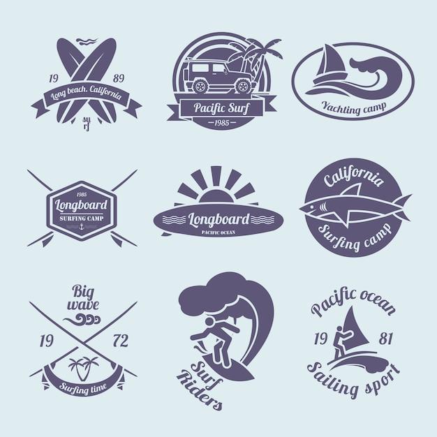 Surf-etiketten oder abzeichen gesetzt Premium Vektoren
