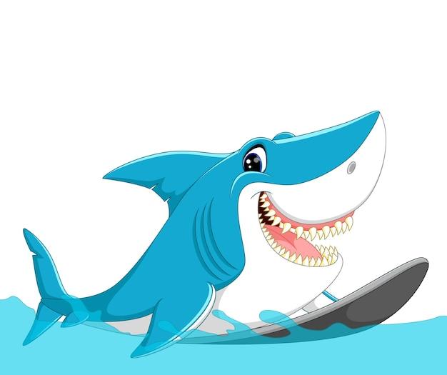 Surfende karikatur des netten haifischs Premium Vektoren