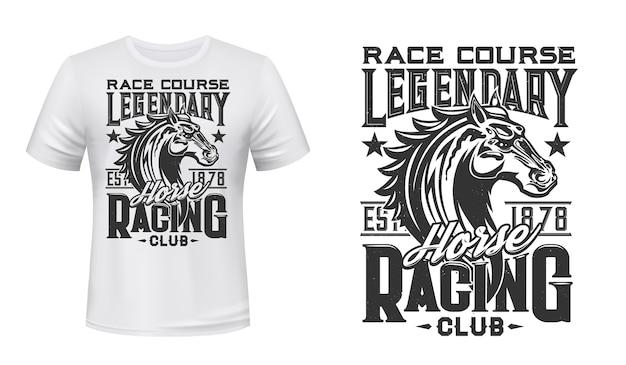 T-shirt-druck des pferderennclubs. rennpferd hengstkopf gravierte illustration und retro-typografie. pferdesportrennen, kleidungsdruck des reitvereinwettbewerbs Premium Vektoren