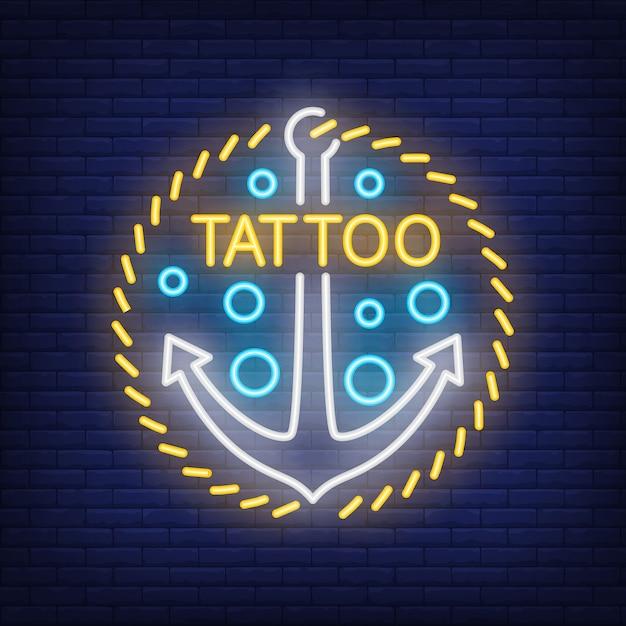 Tattoo Neon Wort und Anker Zeichen. Helle Nachtanzeige, buntes ...