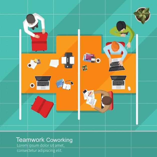 Teamarbeit in der geschäftsanalyse Premium Vektoren