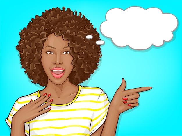 Überraschte afroamerikanerfrau mit dem afrohaar und karikaturillustration des offenen munds Kostenlosen Vektoren