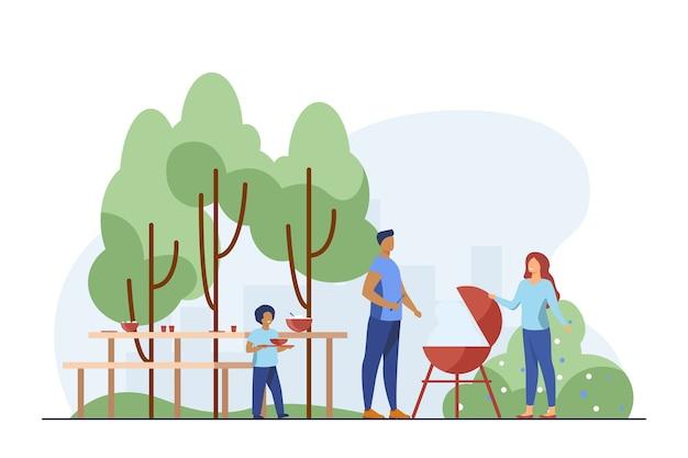 Vater kocht grill auf picknick. park, natur, lebensmittel flache vektorillustration. familien- und wochenendkonzept Kostenlosen Vektoren