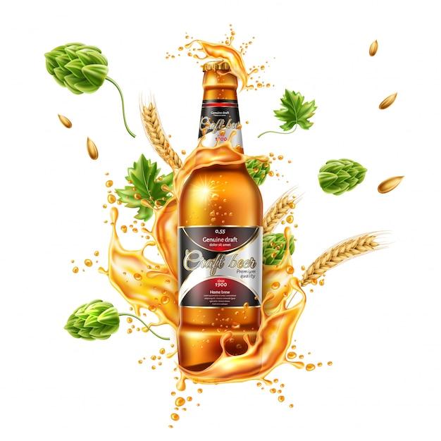 Vector realistisches bierflaschenpaket mit lagerbierspritzer mit grünem hopfen und radohren. Premium Vektoren
