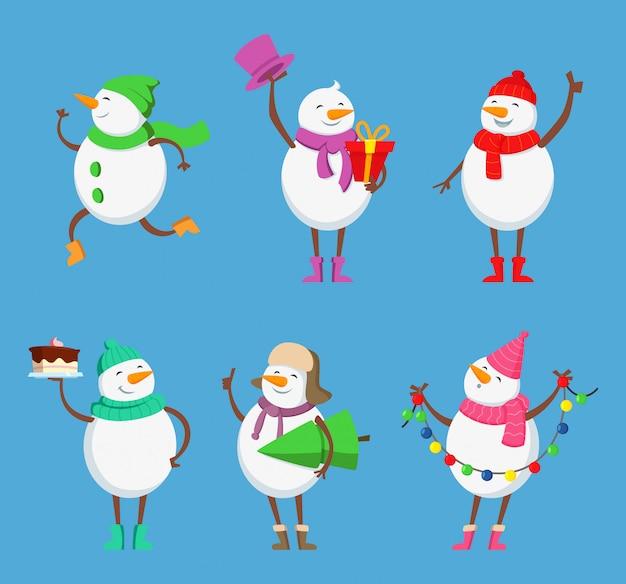 Vektor-maskottchen-design von lustigen schneemännern. weihnachtszeichen gesetzt. schneemannwintercharakter für feiertagsweihnachtsillustration Premium Vektoren
