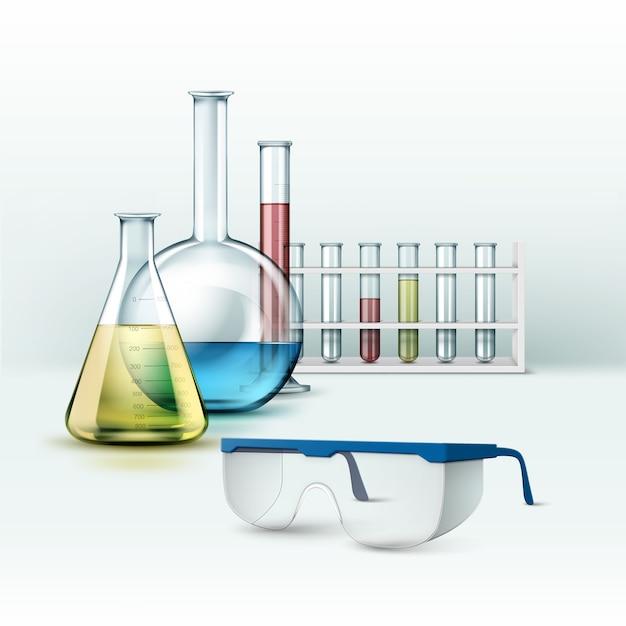 Vektorsatz transparenter chemischer glaslaborröhrchen, kolben mit blauer, rosa, gelber, grüner flüssigkeit und auf hintergrund isolierte gläser Kostenlosen Vektoren