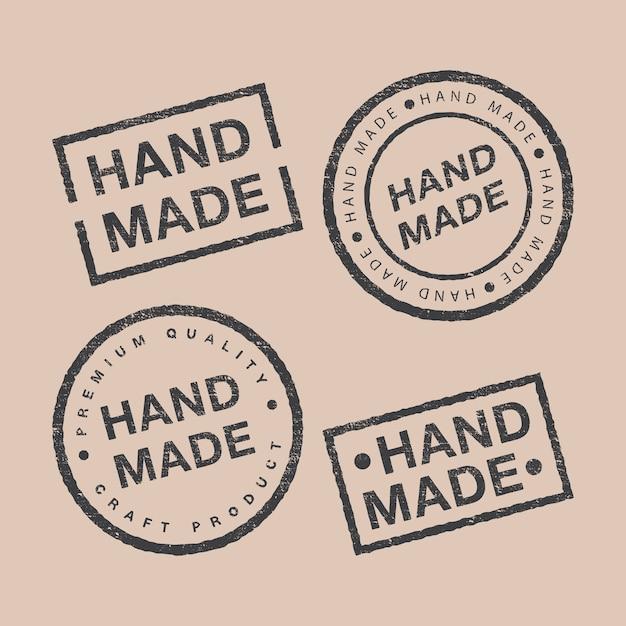 Vektorsatz von linearen abzeichen und logo-designelementen für handgemachtes in flachem design auf braunem hintergrund Premium Vektoren