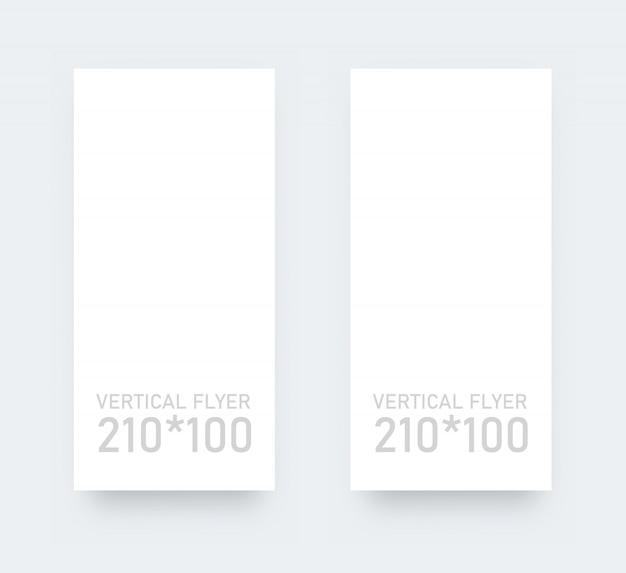 Vertikale form des vertikalen leeren flyers. realistisches modell des weißbuchs. Premium Vektoren