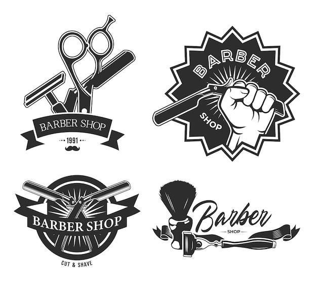 Vintage barbershop flache etiketten gesetzt. monochrome embleme mit friseurstangenschere, rasierpinsel und hand, die rasiermesser-vektorillustrationssammlung halten. Kostenlosen Vektoren