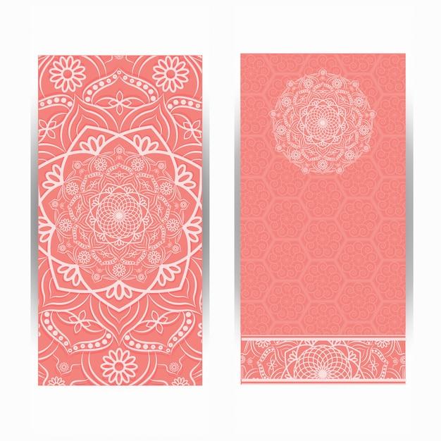 Vintage design der einladungskarte mit mandalamuster. Premium Vektoren
