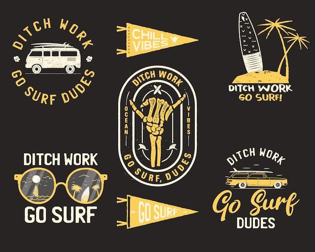Vintage sommerlogos, surfabzeichen gesetzt. Premium Vektoren