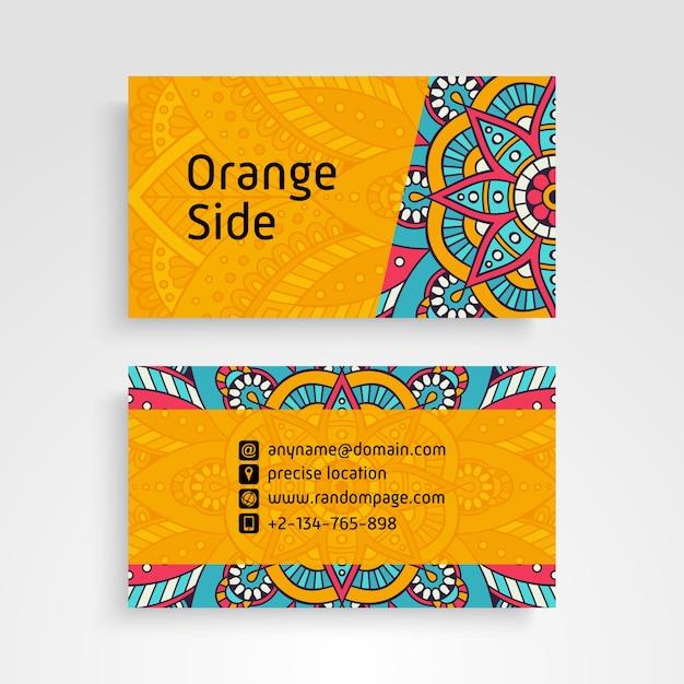 Visitenkarte. dekorative elemente der weinlese. dekorative blumenvisitenkarten oder einladung mit mandala Kostenlosen Vektoren