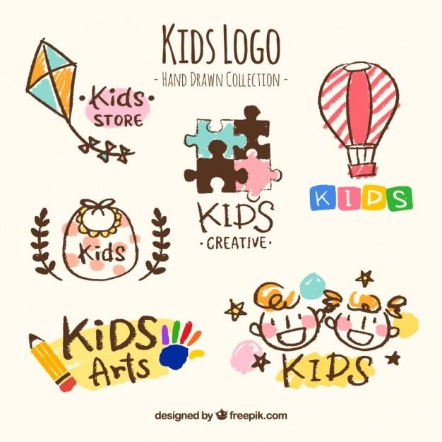 Von hand gezeichnet sammlung von sechs kindern, logos Kostenlosen Vektoren