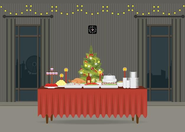 Lustiges Weihnachtsessen.Weihnachtsessen Auf Dem Tisch Der Mit Weihnachtsbaum Verziert