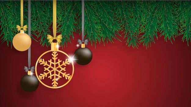 Weihnachtshintergrund mit kiefernblättern und hängender dekoration. Premium Vektoren