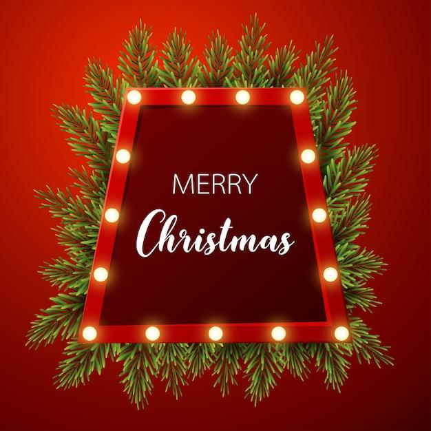 Weihnachtshintergrund mit tannenzweigen, helles zeichen auf rotem hintergrund Premium Vektoren