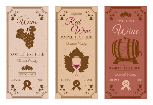 Weinflaschenetiketten mit braunen reben weinblätter beeren holzfass winzige flecken inschriften isoliert Premium Vektoren