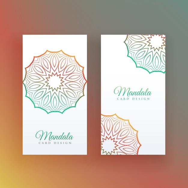 Weiße karte mit bunter mandaladekoration Kostenlosen Vektoren