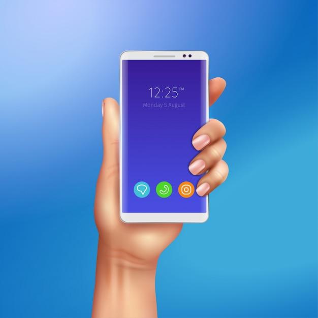 Weißes smartphone in der weiblichen hand auf realistischer darstellung des blauen hintergrundhintergrunds Kostenlosen Vektoren