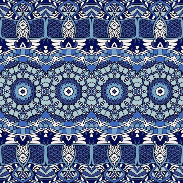 Wunderschönes nahtloses patchwork-muster aus blauen orientalischen fliesen, ornamenten. Premium Vektoren