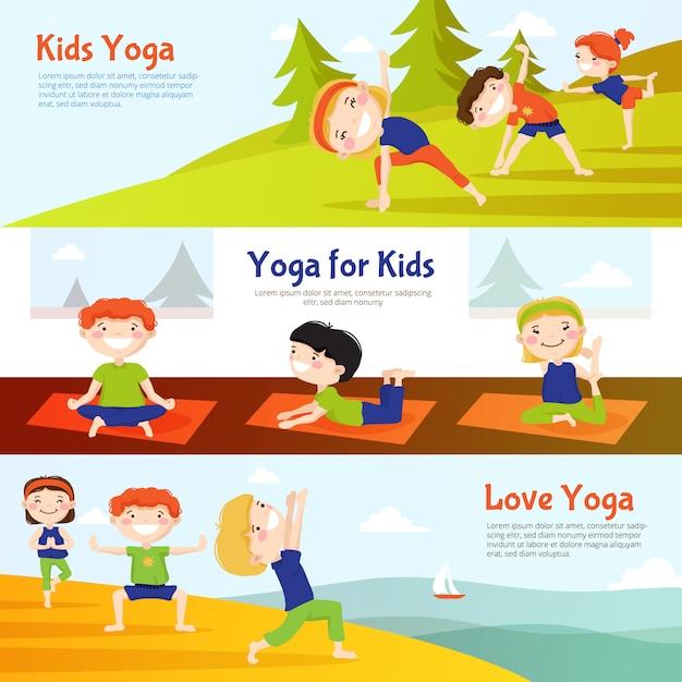 Yoga für die horizontalen fahnen der kinder, die mit den kindern eingestellt werden, die asana üben, wirft im freien auf Kostenlosen Vektoren