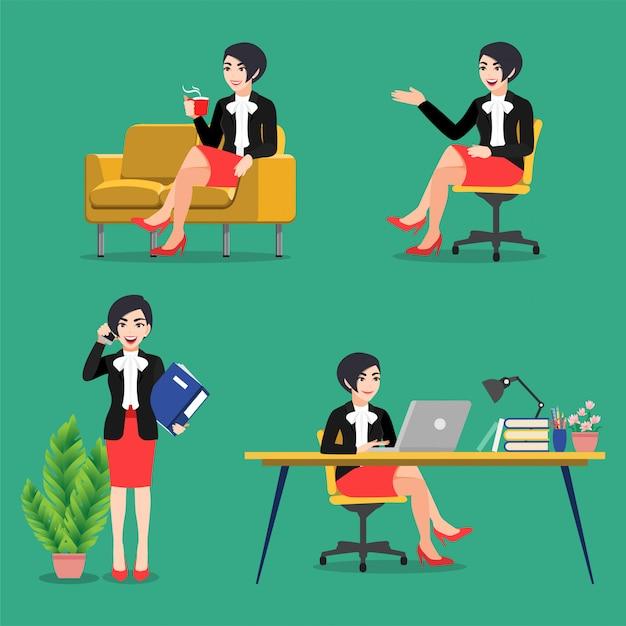 Zeichentrickfigur mit geschäftsfrau stellt posen ein. geschäftsleute arbeiten, sitzen am schreibtisch und verwenden laptop auf grünem hintergrund, flacher symbolvektor Premium Vektoren