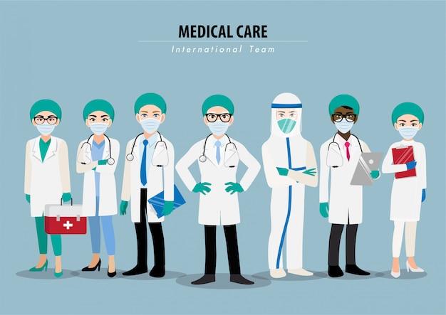 Zeichentrickfigur mit professionellen ärzten und krankenschwestern, die schutzsuite tragen und zusammenstehen, um coronavirus zu bekämpfen Premium Vektoren
