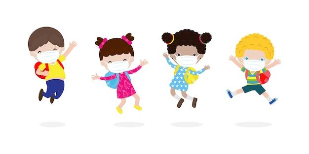 Zurück in die schule für ein neues normales lifestyle-konzept. glückliche kinder springen tragen gesichtsmaske schützen corona-virus oder covid 19, gruppe von kindern und freunden gehen zur schule isoliert auf weißem hintergrund vektor Premium Vektoren