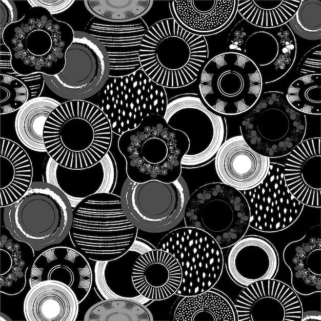 A ilustração preto e branco monótonos à moda de pratos de porcelana tirados mão modela o teste padrão sem emenda dentro. Vetor Premium