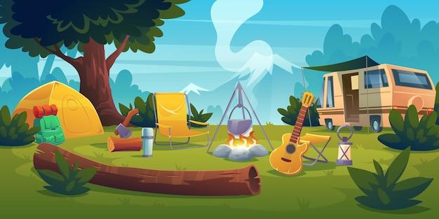 Acampamento de verão com fogueira, barraca, van, mochila, cadeira e violão. Vetor grátis