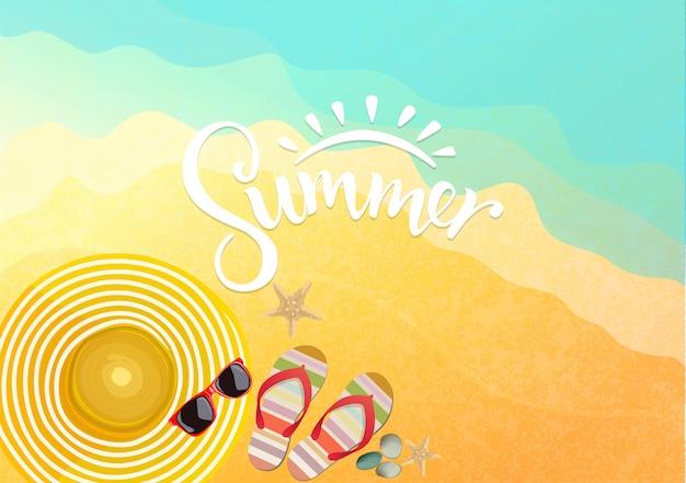 Acessórios de verão no fundo da praia Vetor Premium