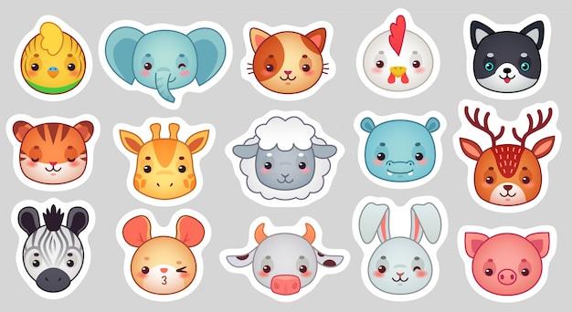 Adesivos de animais fofos, rostos de animais adoráveis a sorrir, ovelhas kawaii e conjunto de desenhos animados de galinha engraçada Vetor Premium