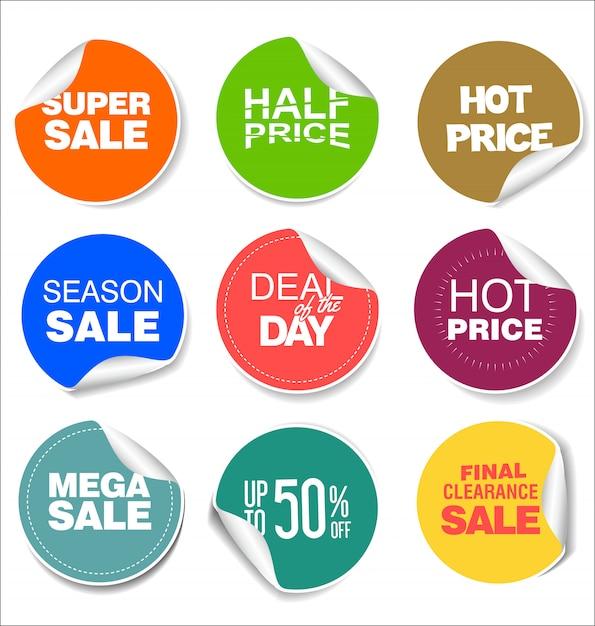 Adesivos e emblemas coloridos de venda design ilustração Vetor Premium