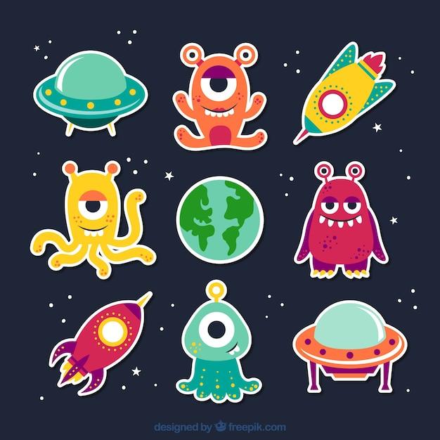Aliens dos desenhos animados Vetor grátis