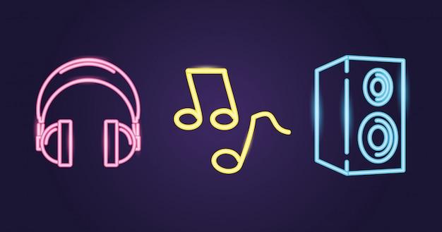 Alto-falante, fones de ouvido e nota musical com estilo neon sobre roxo Vetor grátis