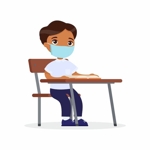 Aluno na lição com máscara protetora em seu conjunto de ilustrações vetoriais de rosto. estudante de pele escura está sentado em uma turma escolar na mesa dela. conceito de proteção contra vírus. ilustração vetorial Vetor grátis