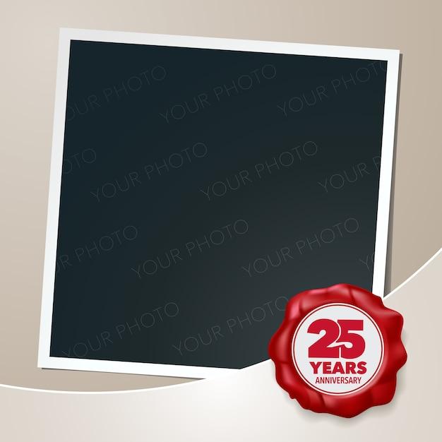 Aniversário de 25 anos. colagem de moldura de foto 25º aniversário Vetor Premium