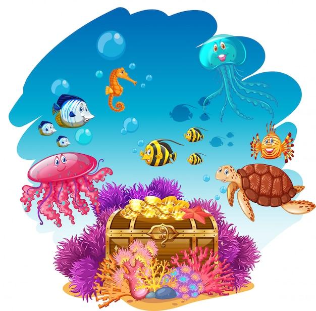 Arca do tesouro e animais marinhos debaixo d'água Vetor Premium