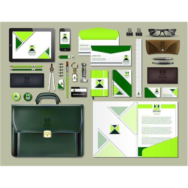 Artigos de papelaria de negócios com design verde Vetor grátis