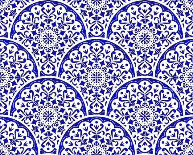 Azul e branco padrão chinês com escala estilo patchwork, mandala de índigo floral abstrato decorativo Vetor Premium